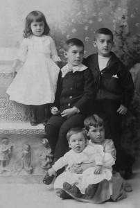 Helen, Walter, Ned, Marjorie and John Congdon, 1892